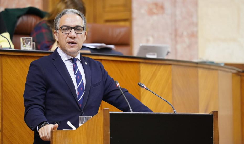 El consejero Elías Bendodo interviene en el Pleno del Parlamento de Andalucía sobre las medidas para minimizar los efectos del Brexit.