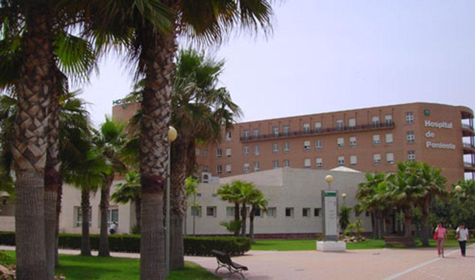 Fachada del Hospital de Poniente.