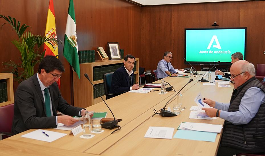 Resumen de la comparecencia de los consejeros Elías Bendodo y Jesús Aguirre tras el Gabinete de Crisis por el Covid-19