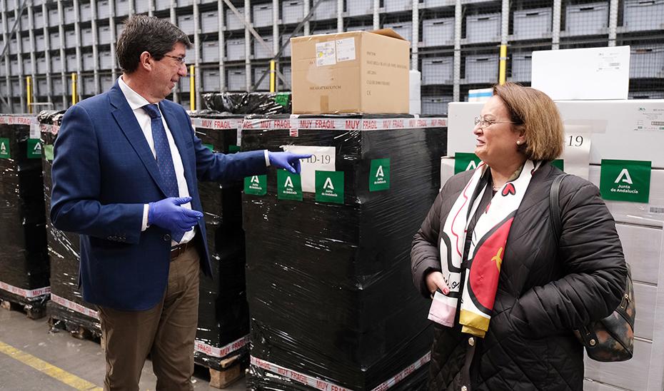 Marín confirma la llegada de cuatro millones de unidades de material de protección sanitaria esta semana