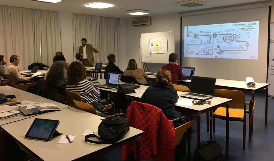 Taller formativo de \u0027Bootcamps Andalucia\u0027 en una de las anteriores ediciones de la iniciativa, que ahora será virtual por el Covid-19.