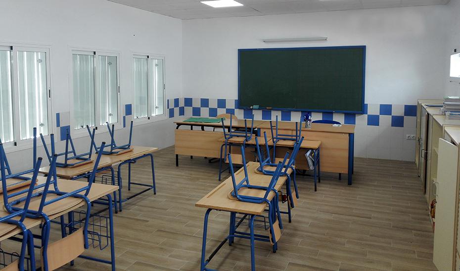 Aula de un centro escolar andaluz vacía.