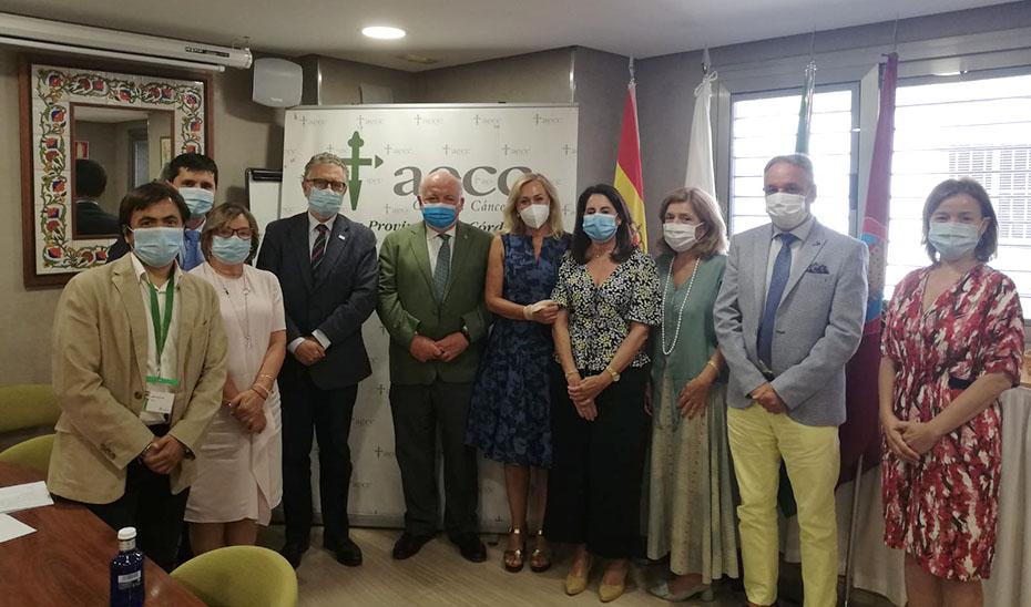 El consejero de Salud mantuvo una reunión con la directiva de la Asociación Española contra el Cáncer.