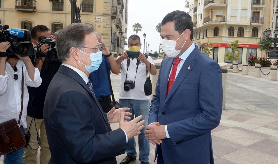 El presidente Juanma Moreno anuncia que la mascarilla será obligatoria en Andalucía