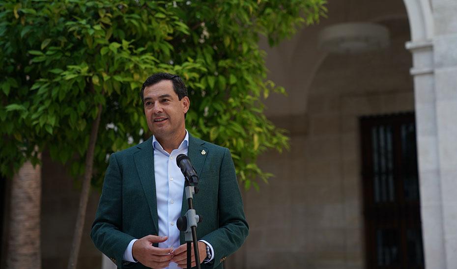 Intervención de Juanma Moreno en el Palacio de La Aduana de Málaga en el arranque del ciclo 'Música y museos'