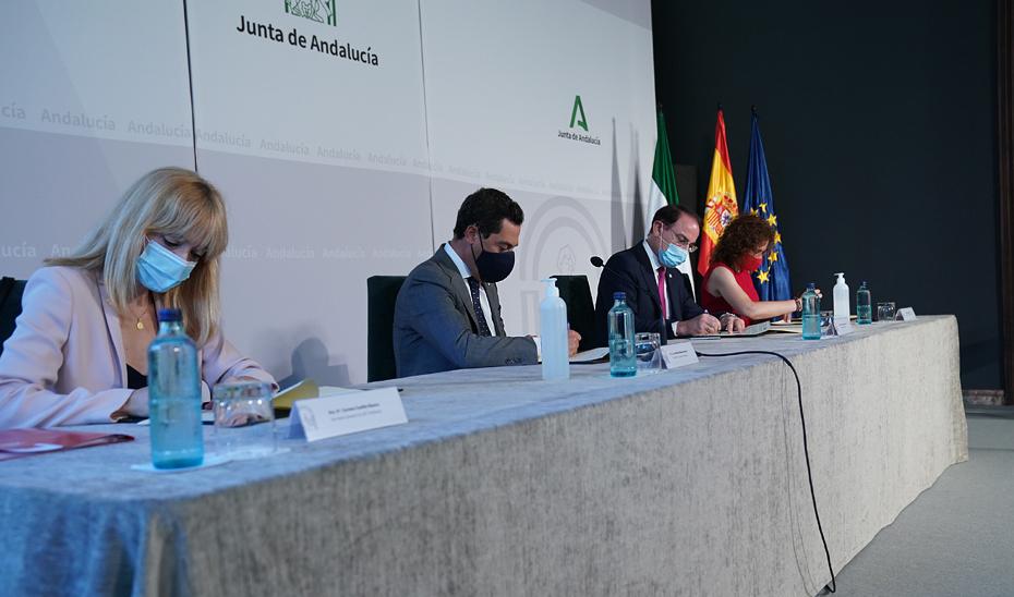 Juanma Moreno firma con los agentes sociales el Acuerdo para la Reactivación Económica y Social de Andalucía (vídeo íntegro)