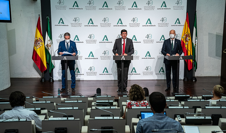 Comparecencia informativa de Marín, Bendodo e Imbroda tras el Consejo de Gobierno (vídeo íntegro)