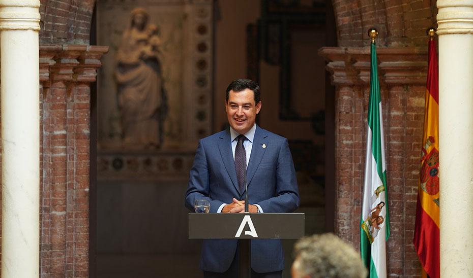 Intervención de Juanma Moreno en la inauguración de la exposición 'La Sal' de Carmen Laffón