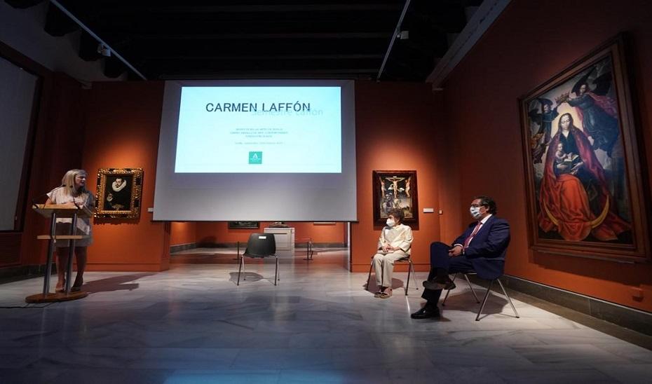 Del Pozo, durante su intervención en la presentación de las exposiciones sobre Carmen Laffón en el CAAC y en el Museo de Bellas Artes.