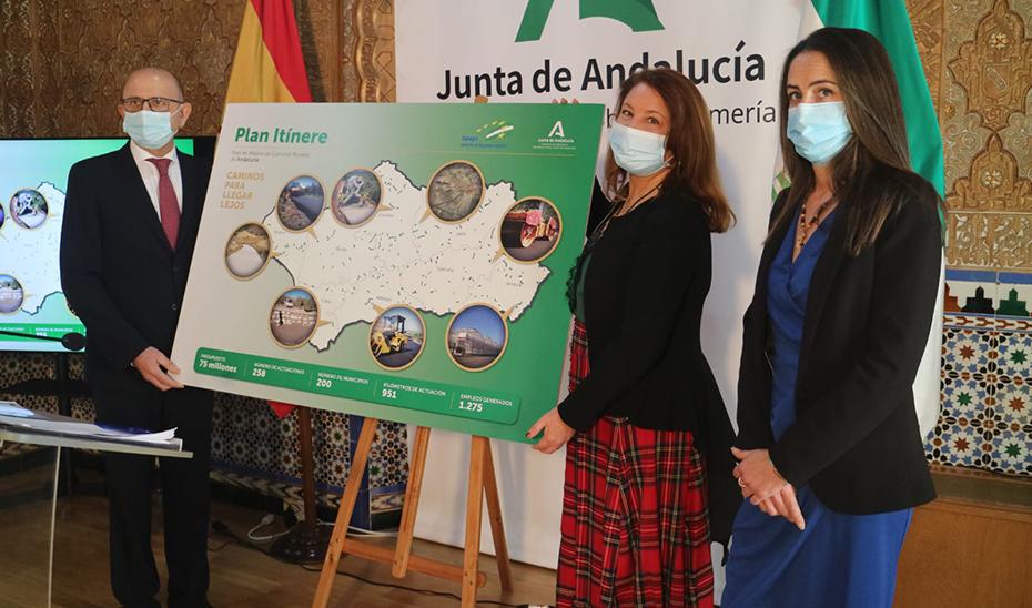 La consejera de Agricultura, Carmen Crespo, presentando este lunes en Almería el Plan Itínere.