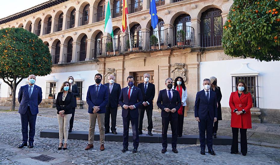 Juanma Moreno y Juan Marín anuncian las distinciones de Hijo Predilecto y Medallas de Andalucía con motivo del 28F