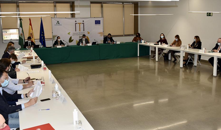 Inicio de la reunión donde se han aprobado ocho proyectos por un importe de 23,57 millones de euros.