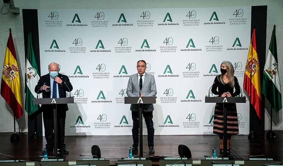 Comparecencia de Elías Bendodo, Jesús Aguirre y Patricia del Pozo tras la reunión del Consejo de Gobierno (audio íntegro)