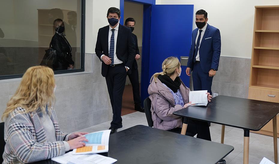 """Marín inaugura el nuevo centro de menores de Granada, """"que aspira a ser referente nacional"""""""