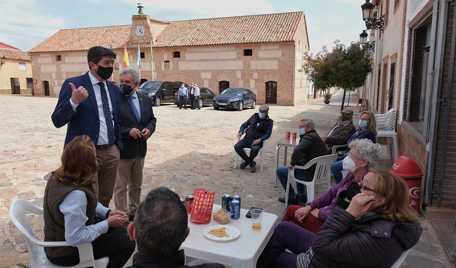 El vicepresidente de la Junta, Juan Marín, durante una reciente visita a Aldeaquemada (Jaén).