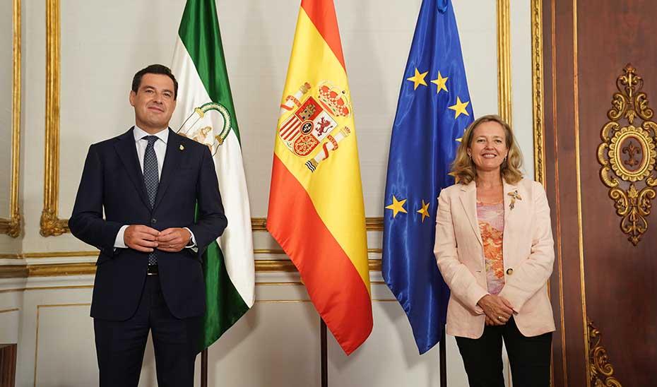 Moreno pide a Calviño aplicar la cogobernanza para distribuir los fondos europeos entre las autonomías