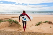Andalucía aumenta la cifra de playas y puertos distinguidos con 'Bandera Azul', hasta alcanzar los 113 distintivos en 2018
