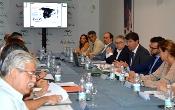 Marín anuncia la futura puesta en marcha de un plan de empleo del sector turístico junto a empresarios y sindicatos