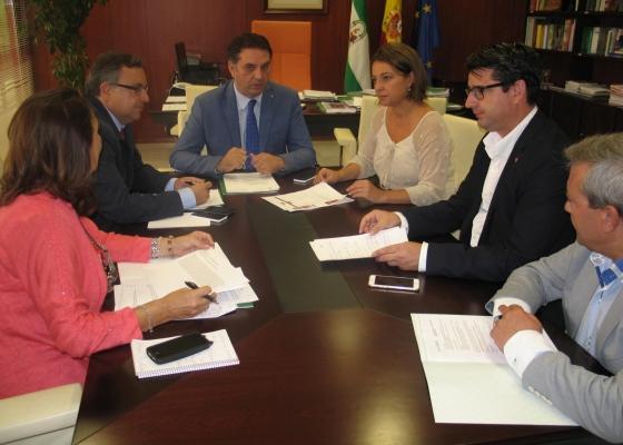 Junta y Ayuntamiento de Córdoba acuerdan buscar fórmulas para optimizar los espacios del Centro de Visitantes