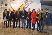 Fernández apuesta por aprovechar las oportunidades del turismo LGBTI para convertir a Andalucía en un referente