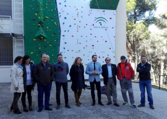 La Junta forma a 43 técnicos deportivos en las modalidades de escalada y montaña en el nuevo rocódromo de Jaén