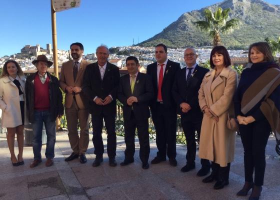 Fernández subraya que el oleoturismo refuerza la autenticidad de la oferta de Andalucía y genera riqueza en el ámbito local