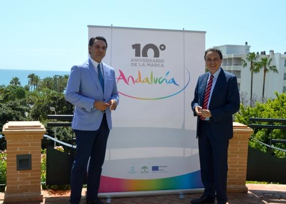 Fernández destaca la proyección de la marca Andalucía, con presencia en casi 6.000 acciones promocionales en 50 países