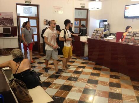 Oficina municipal de informaci n tur stica de granada destinos tur sticos accesibles en andaluc a - Oficina municipal del taxi ...