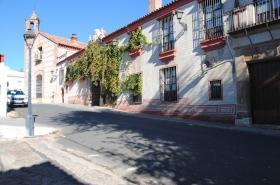 Hotel Palacio de San Benito. Acceso