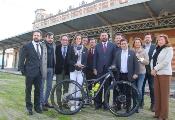 Fernández destaca la consolidación de la Andalucía Bike Race y marca como reto seguir aumentando la presencia femenina