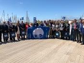 Fernández valora el compromiso de los municipios del litoral por la calidad, tras sumar 113 'Banderas Azules' en 2018