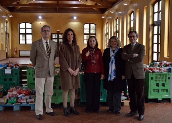 La REAAE entrega a entidades benéficas 3.500 kilos de alimentos recogidos en las galas solidarias para escolares