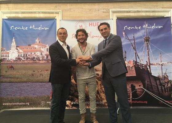 La provincia de Huelva proyectará su imagen como destino turístico a través del cantante Manuel Carrasco