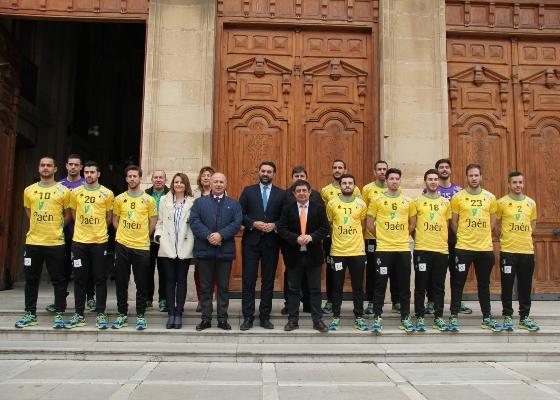 La Junta renueva su respaldo al equipo de fútbol sala 'Jaén, Paraíso Interior' con un patrocinio para esta temporada