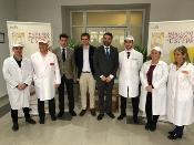 La Junta plantea vías de colaboración para la promoción de los productos navideños y el aceite de oliva virgen extra de Estepa