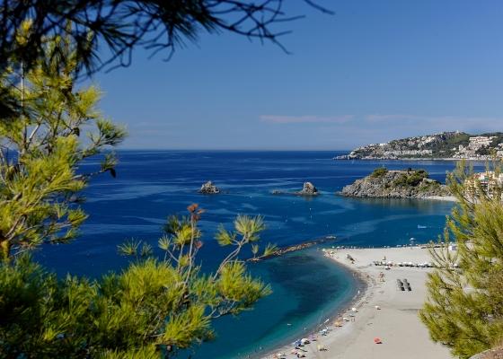 Andalucía supera en verano sus mejores cifras turísticas, con 7,9 millones de viajeros alojados y 25,3 millones de estancias