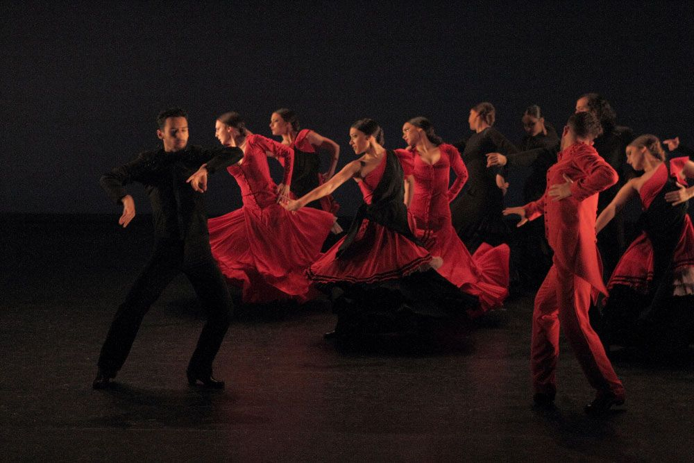 Taller 'Amalgama'. Pieza 'Indicio', coreografía de Rubén Olmo (fotografía: CIRAE. Coral González)
