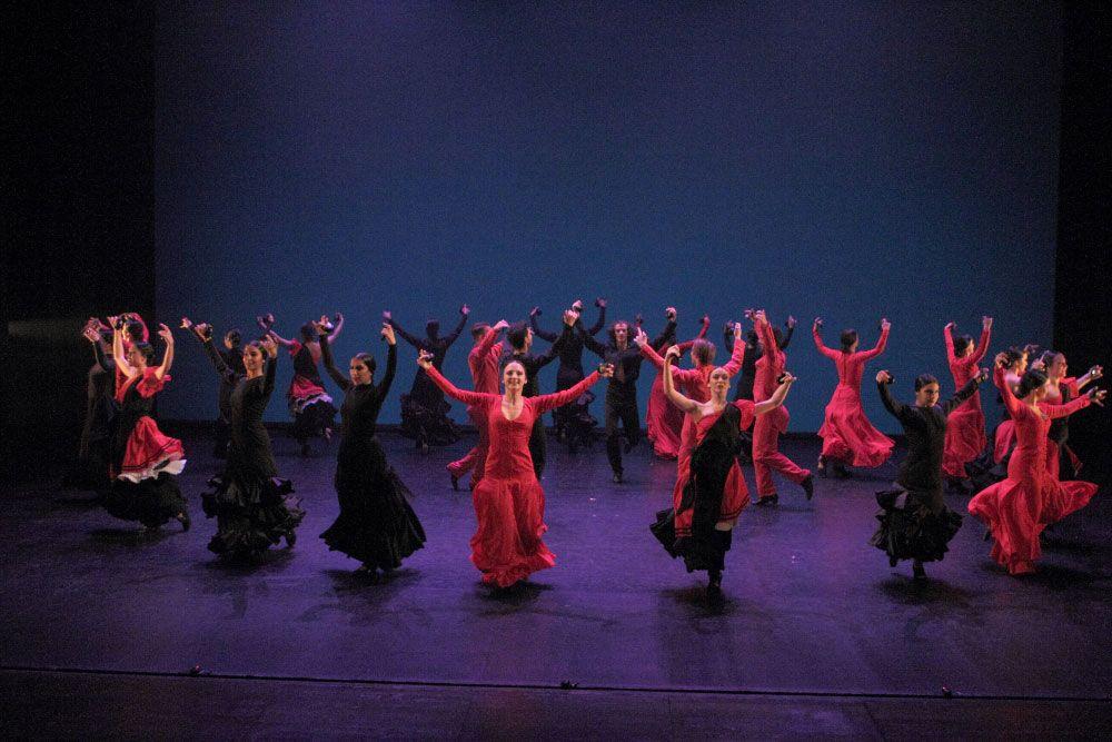 Taller 'Amalgama'. Pieza 'Metáfora', coreografía de Rubén Olmo (fotografía: CIRAE. Coral González)
