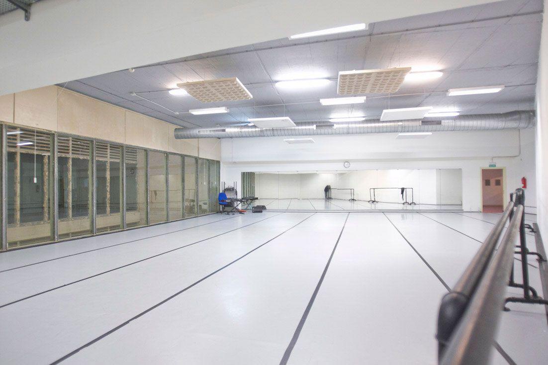 Aula de Danza contemporánea (fotografía: Luis Castilla)