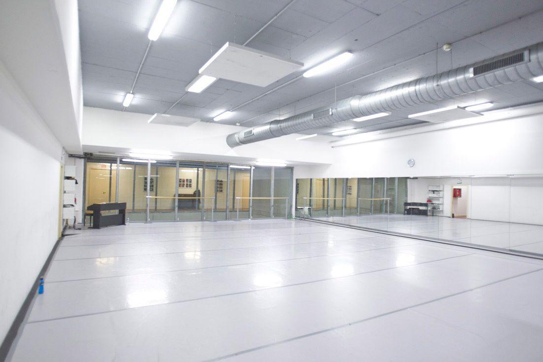 Aula de Danza neoclásica (fotografía: Luis Castilla)