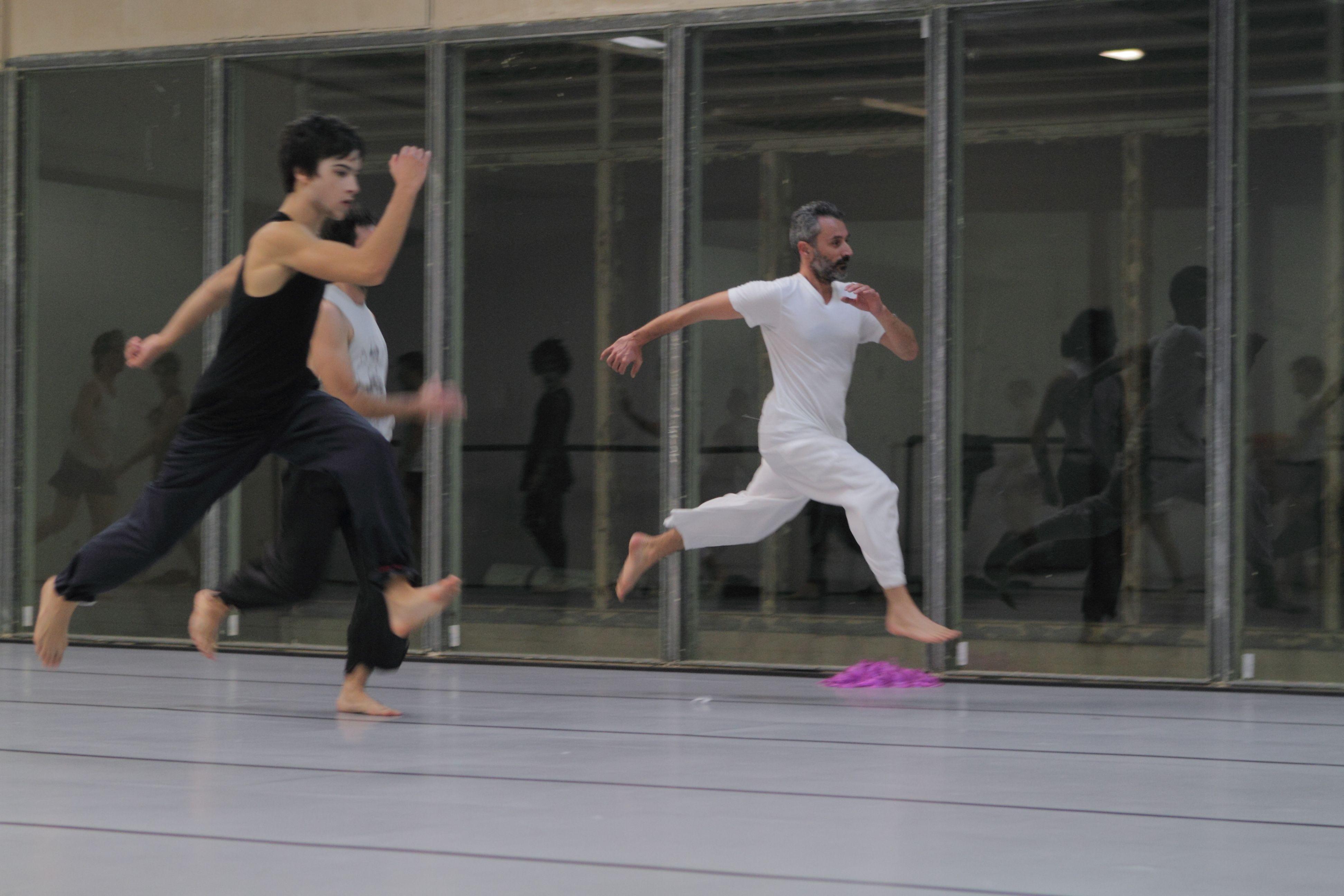 Clase de Víctor Zambrana en el Centro Andaluz de Danza. Foto: CDAEA, Tino Yamuza.