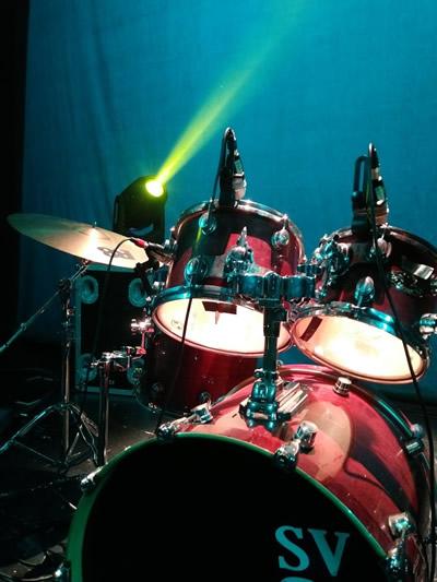Imagen ilustrativa del curso de iluminación y sonido para el espectáculo en vivo. Nivel I