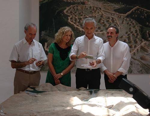 El consejero de Cultura visita el yacimiento almeriense para presentar la aplicación