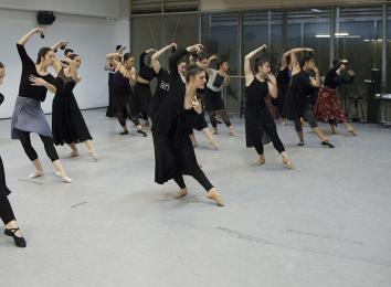 Alumnado del Centro Andaluz de Danza (fotografía: Ro Menéndez)
