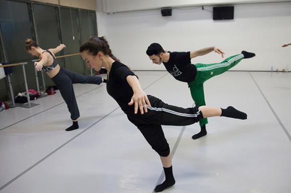 Clases de danza contemporánea (fotografía: Ro Menéndez)