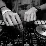 Mesa de trabajo de DJ