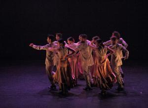 Taller 'Amalgama'. Pieza 'Arcano', coreografía de Miguel Angel Corbacho (fotografía: CIRAE. Coral González)