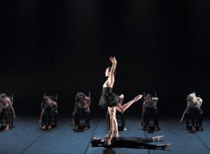 Taller 'Amalgama'. Pieza 'Resiliencia', coreografía de Raúl Heras (fotografía: CIRAE. Coral González)