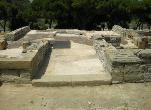 Enclave Arqueológico de Carteia. Domus situada junto al templo