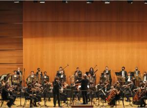 Orquesta Ciudad de Almería dirigida por Michael Thomas  © Antonio Barce